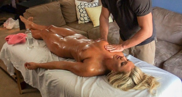 cameron-dee-receives-a-nice-oily-boob-massage